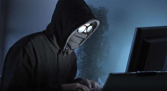 I predatori del web e social: minori come vittime